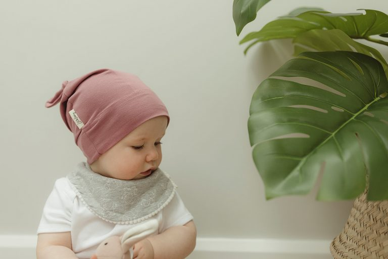 lil and izzy boutique organic cotton knotted hat pink